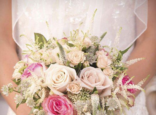 ramos de flores para novia en Granada