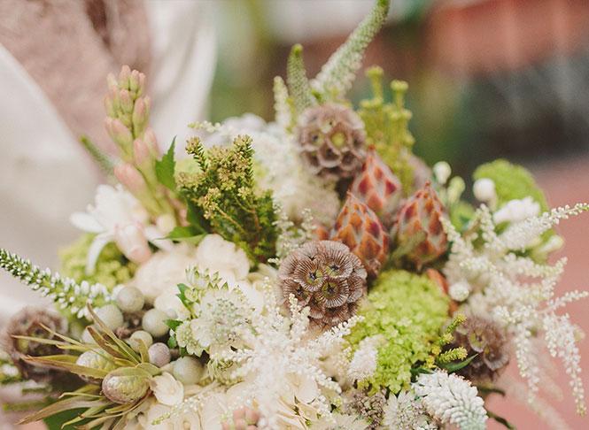 ramo de novia con flores naturales original en Granada