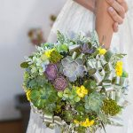 ramo de novia natural con predominio de verdes