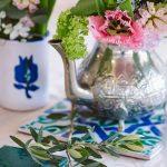 tetera, azulejo y taza estilo nazarí para decoración
