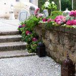 decoración de muro y escaleras para boda