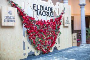 flores día de la cruz en Granada