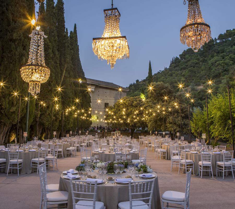 iluminación de eventos y celebraciones en exterior en Granada